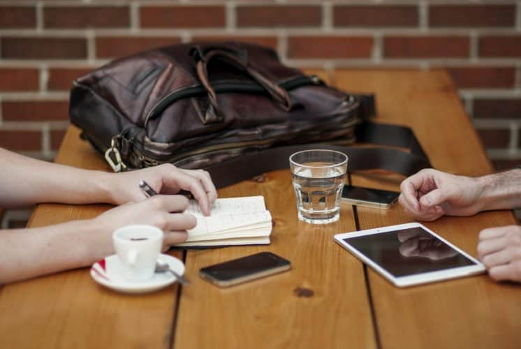 learn japanese with a language exchange - study together while chatting over coffee